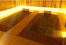 貸切個室岩温浴「璃楽」